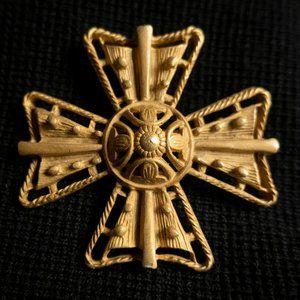 St. John Gold Brooch Pin Vintage